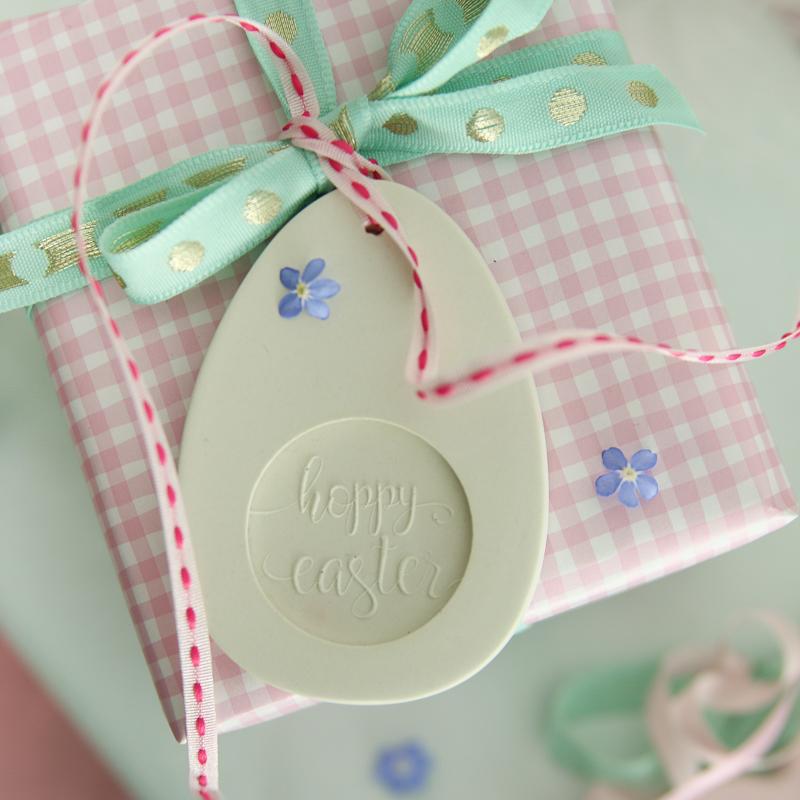 Osterdeko selber machen I DIY Geschenkanhänger für Ostern