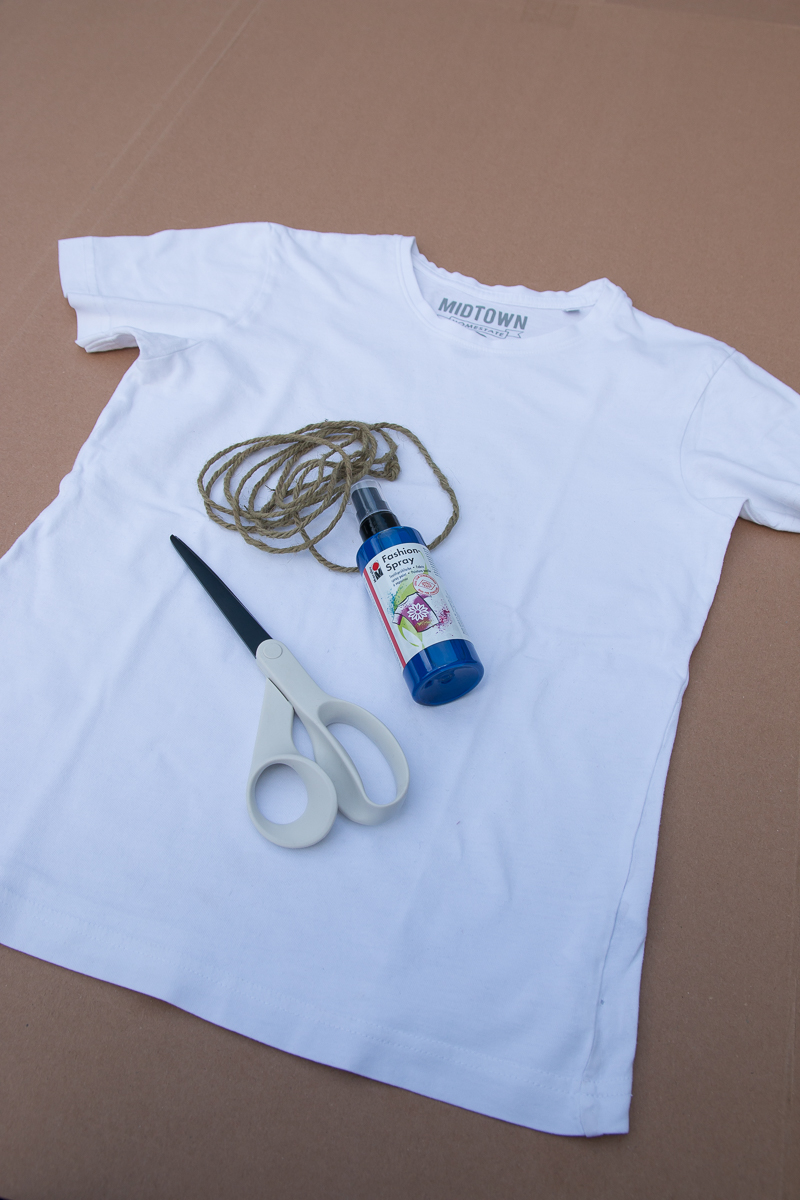 schnelles-DIY-T-Shirt-Shibori-Technik-gestalten-Fashion-Spray-Kinder