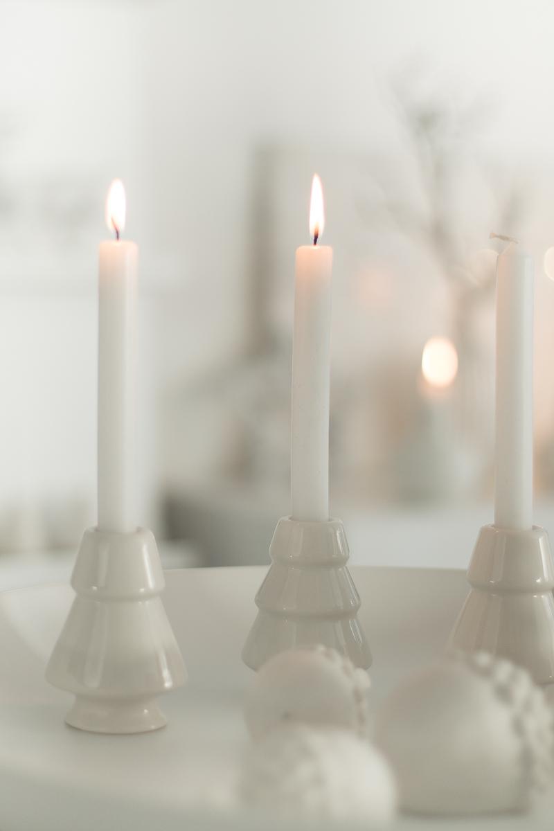 Weiß-White-Idee-Kerzen-Kerzenschein-Inspiration-Adventskranz-Alternative-Advent-hygge-Weihnachten