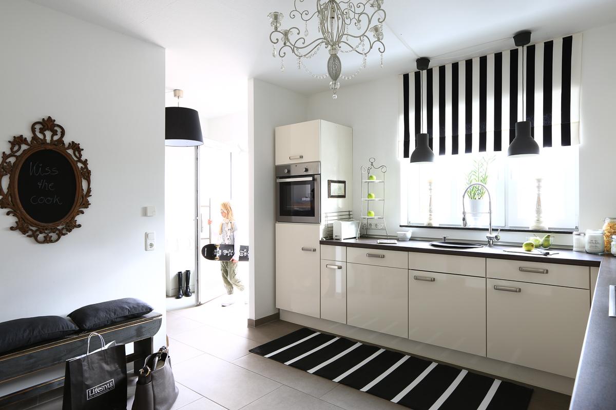 Küche-einrichten-Küchenideen-Küchenprojekt-Umgestaltung-Makeover-Küchenfronten-folieren